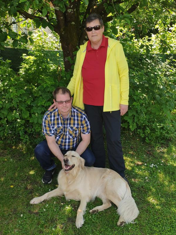 Ingrid Meckel mit Sohn Wolfgang und Hund Sultan