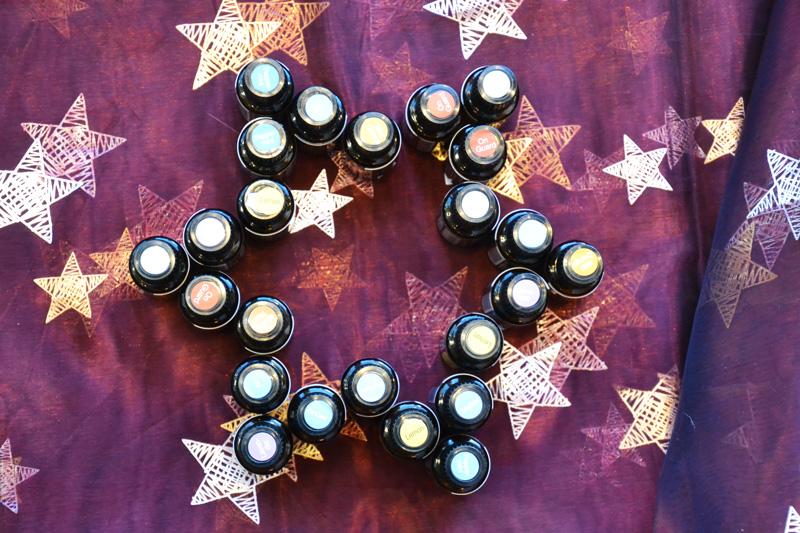 Aromaölflaschen in Sternform angeordnet