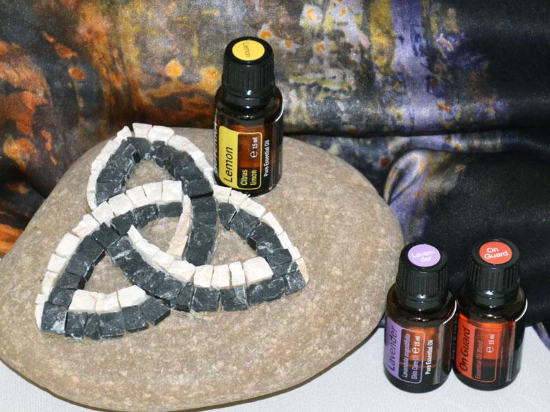 Ecoprint-Seidenschal, Mosaik auf Stein, Aromaöle