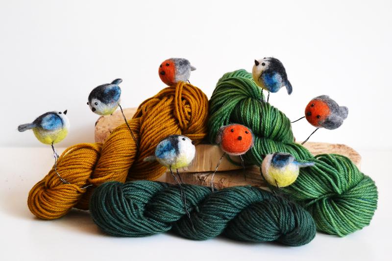 Wolle, gefilzte Vögelten